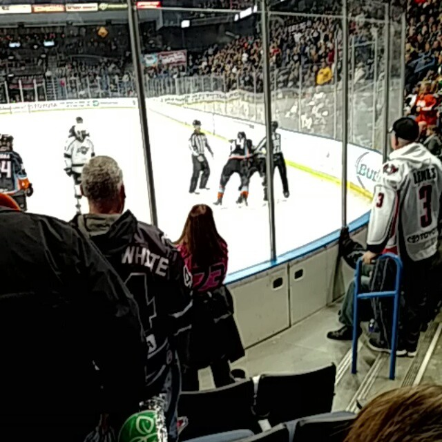 Zero in the 3rd #reign #onterioreign #hocky screw it lets Duke it out anyways